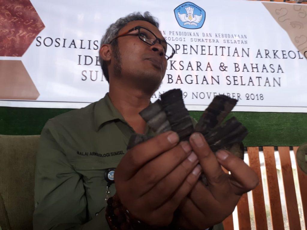 Balai Arkeologi Sumsel Kumpulkan 94 Prasasti Logam Sepanjang November 2018