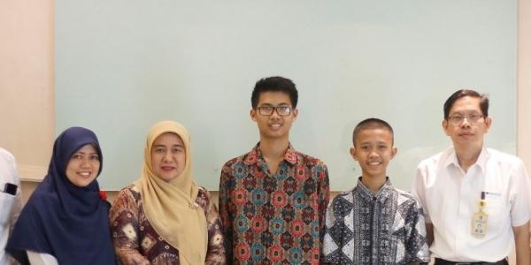 Sukses! Dua Pelajar Sumsel Ini Sabet Medali dari World Mathematics Invitational!
