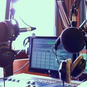 Lebih Dekat dengan Ivana Indri, Sosok di Balik Suara  Anggun Penyiar Trijaya FM