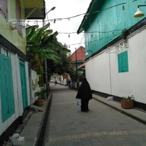 Menyelami Kehidupan Masyarakat Arab di Kampung Al-Munawwar